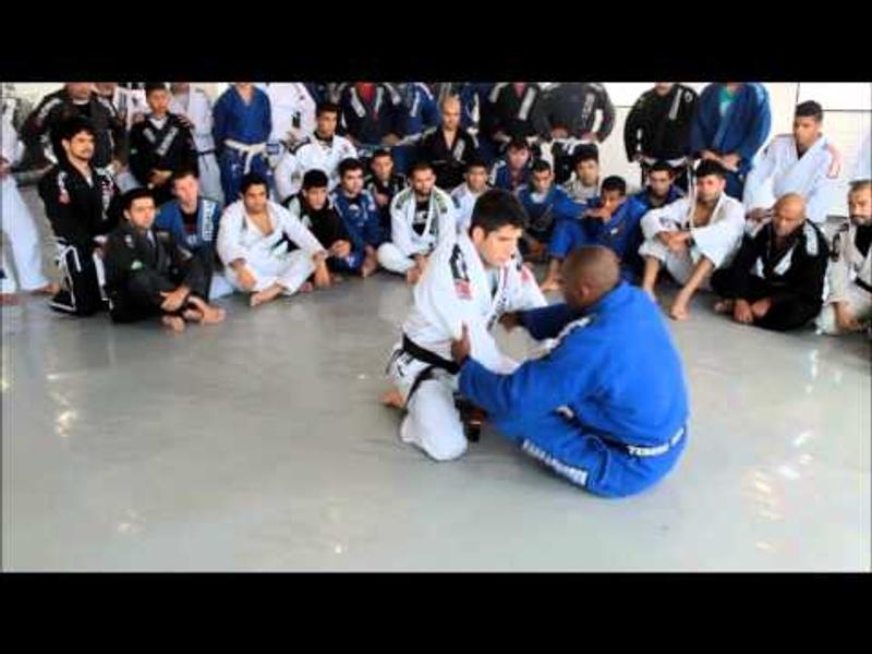 BJJ: Fernando Tererê shows the dynamics of the open guard