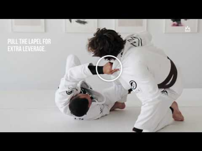 BJJ: Transition from the DLR to the kiss of the dragon and finish via armbar