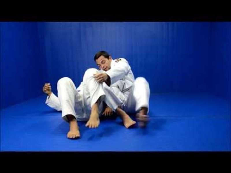 Brazilian Jiu-Jitsu: aprenda a aplicar uma omoplata invertida