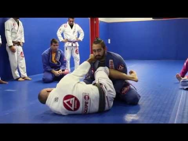 Brazilian Jiu-Jitsu: catch a class with Vinícius Draculino