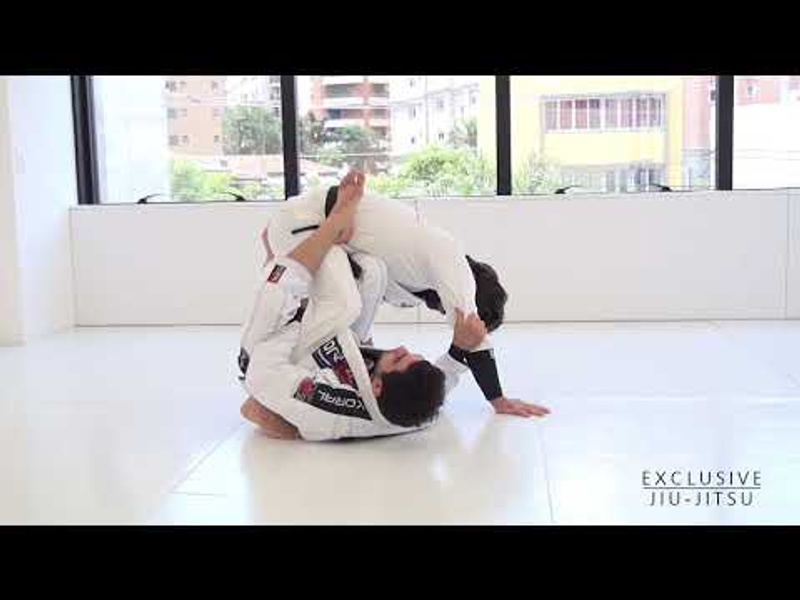 BJJ lesson: Lucas Lepri teaches two sweeps from the one-leg position starting from the DLR