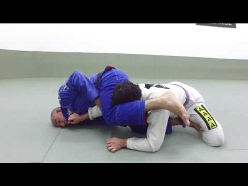 Jiu-Jitsu: Fabio Gurgel teaches a reverse armbar from the de la Riva
