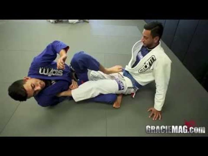 Edwin Najmi teaches a foot lock from the half-guard
