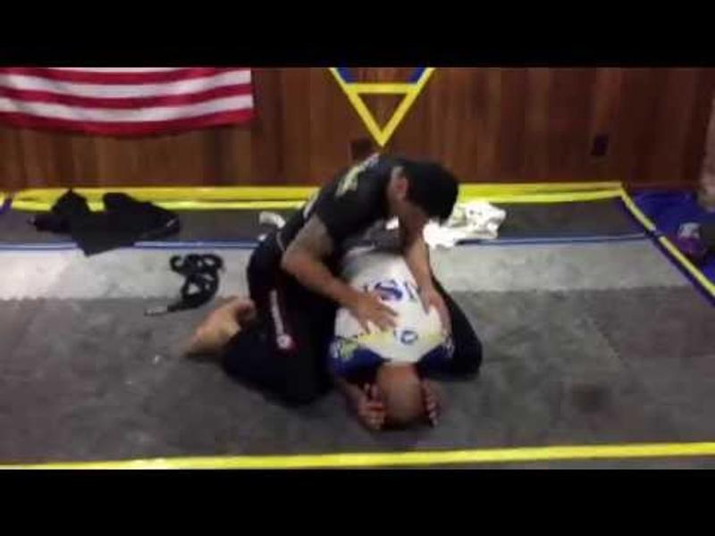 Zezinho Mota: Finishing by rear naked choke starting from the back