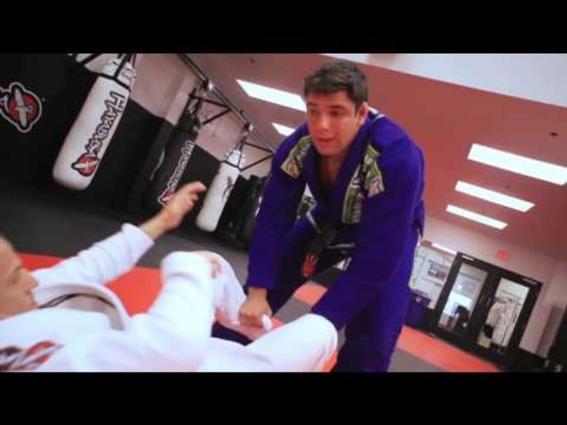BJJ lesson: Marcus Buchecha shows a variation on the bullfighting guard pass