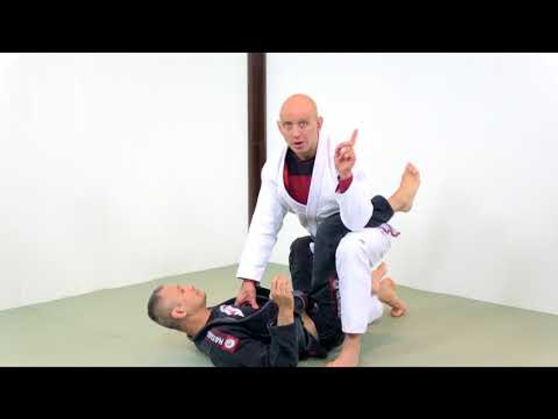3 different ways to stand up and break the closed guard in BJJ