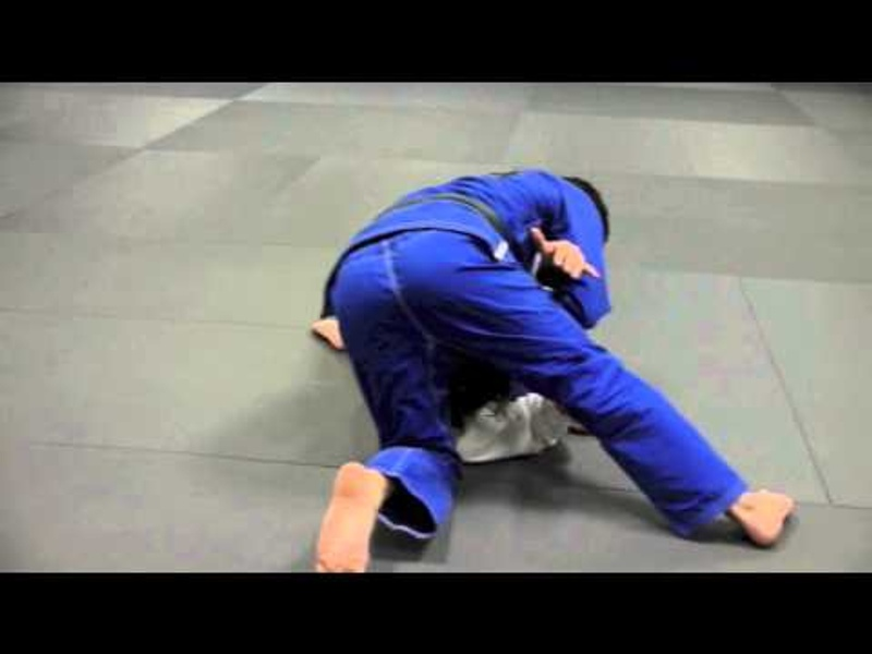 Brazilian Jiu-Jitsu lesson: Learn how to attack via shoulder lock from side control