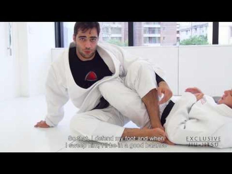 Luiz Panza teaches a lapel sweep to reach the 50/50 in BJJ