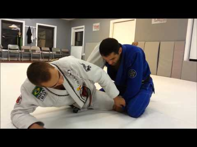 "BJJ: Luiz Panza teaches how to ""float"" the hip for choke with a triangle"