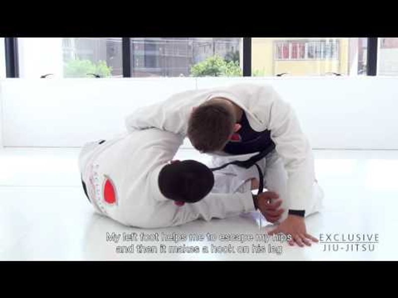 BJJ lesson: Vitor Shaolin shows how to hook-sweep and land on the mount