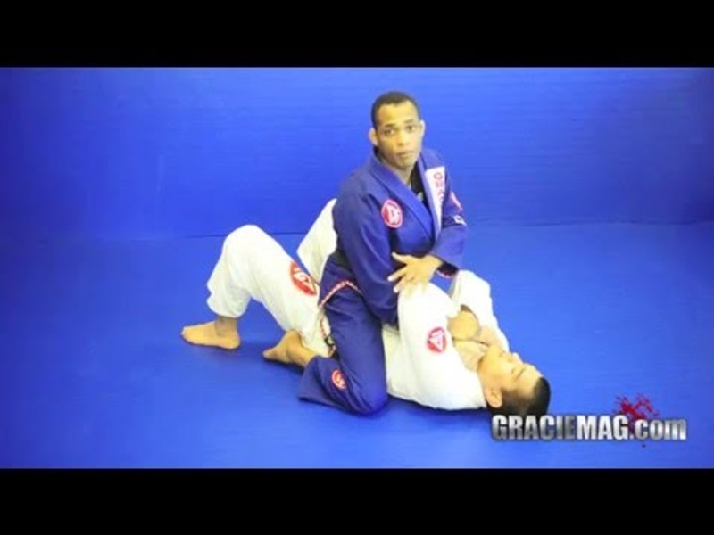 "Brazilian Jiu-Jitsu lesson: Rafael ""Barata"" Freitas teaches how to apply the baratoplata"
