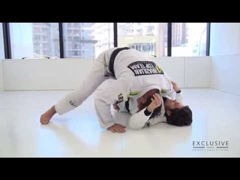 BJJ: Murilo Bustamante teaches 3 guard passes from a crossed-knees starting point