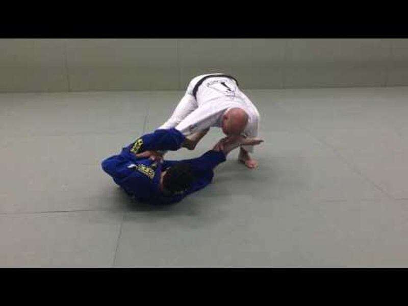 BJJ: Fabio Gurgel shows how to get rid of the spider guard