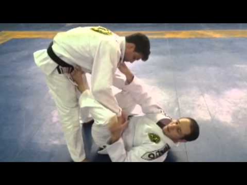 Brazilian Jiu-Jitsu lesson: Robinho Moura teaches a sweep to surprise your opponent