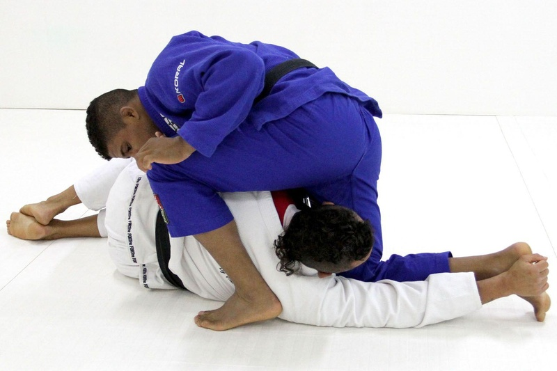 Gilbert Durinho and Vitor Belfort teach arm-lock from side control