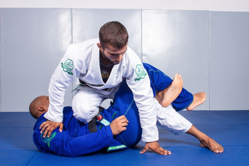 BJJ Techniques: Luan Carvalho teaches us how to apply a double attack on the legs