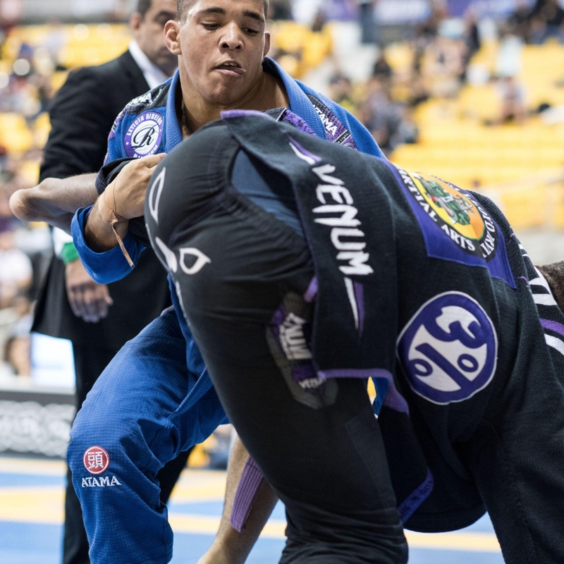 Purple belt light weight division: Paulo Gabriel da Costa vs Angelo Clairborne.