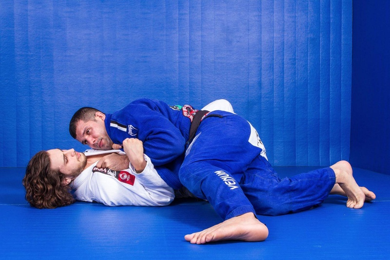 BJJ techniques: Rodolfo Vieira teach us step-by-step a powerful half guard pass