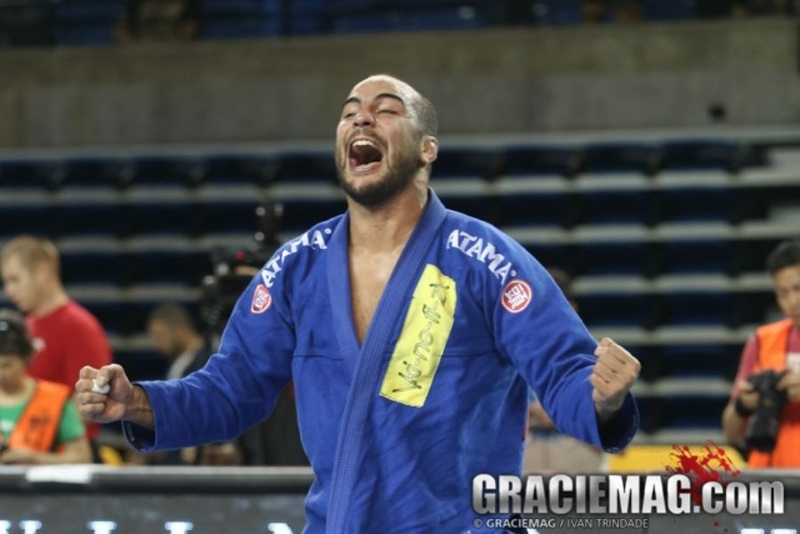 BJJ fundamentals: Bernardo Faria teaches the concepts of pressure passing