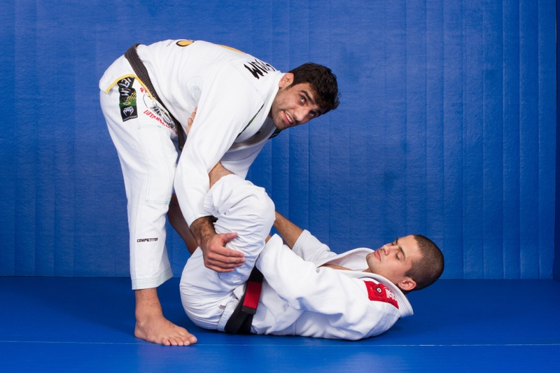 BJJ Techniques: Leandro Lo teaches how to surmount the lasso guard