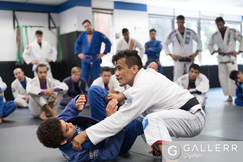 Brazilian Jiu-Jitsu lesson: Cobrinha teaches a drill for guard recovery and guard-passing