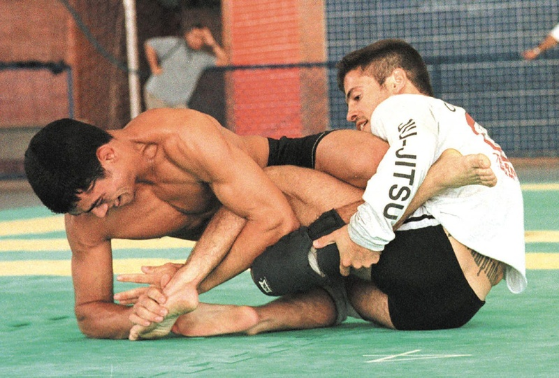 Em 1999... Jiu-Jitsu seleciona time para lutar em Abu-Dhabi