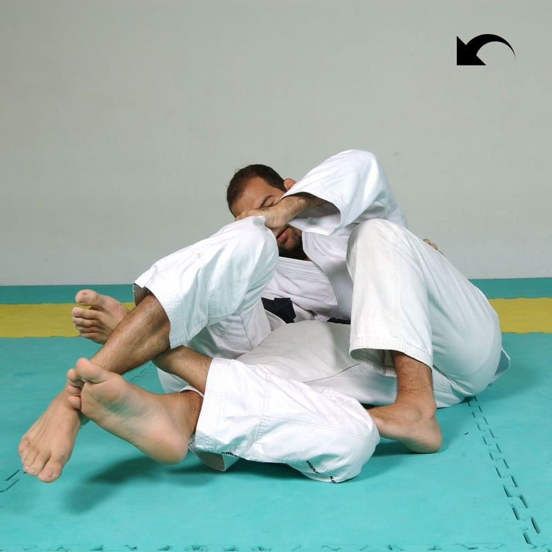 Fabio Gurgel shows how to pass the half-guard