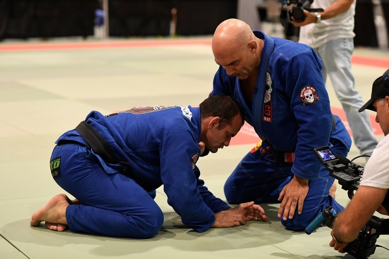 Roberto Godoi teaches how to apply the loop choke