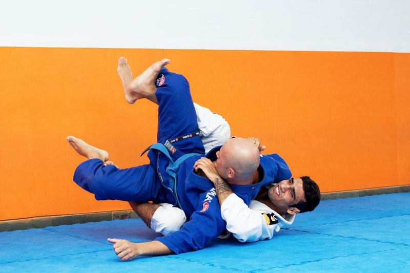 Leandro Lo teaches how to use an offensive open guard