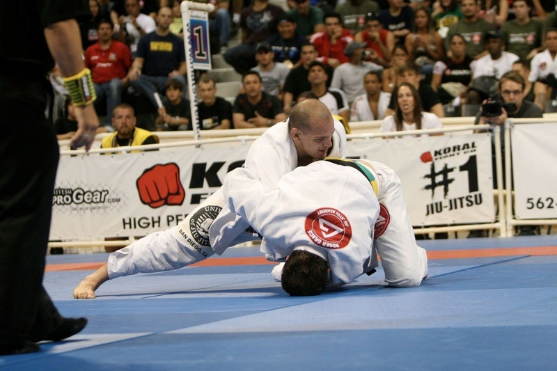 Xande Ribeiro vs Roger Gracie at the BJJ World open class final in 2008