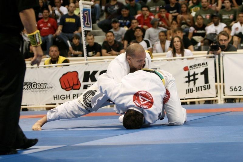 Xande Ribeiro vs Roger Gracie at the BJJ World open class final in 2008