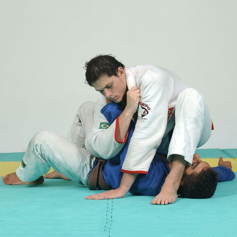 Roger Gracie teaches BJJ inverted arm attack