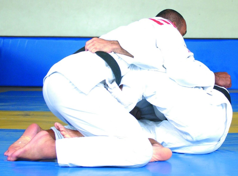 A former UFC Champion, Murilo Bustamante teaches a butterfly guard sweep