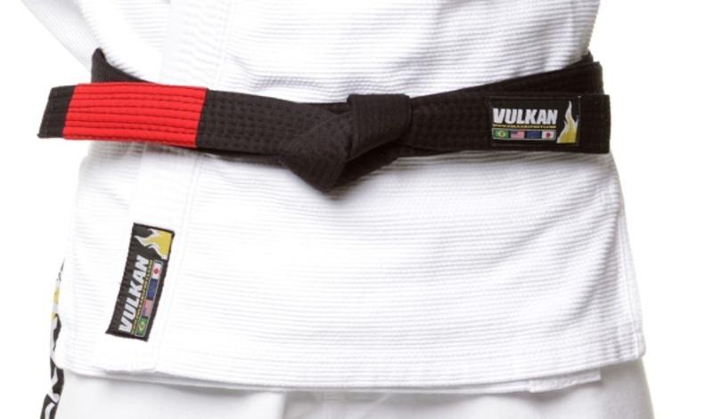 How to tie the belt in Brazilian Jiu-Jitsu