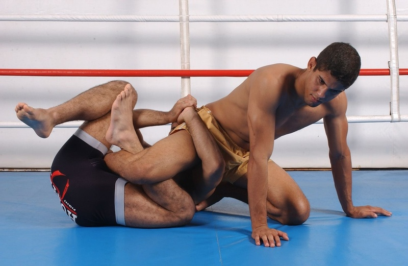 "BJJ Lessons: Vitor ""Shaolin"" Ribeiro teaches how to apply a calf slicer"