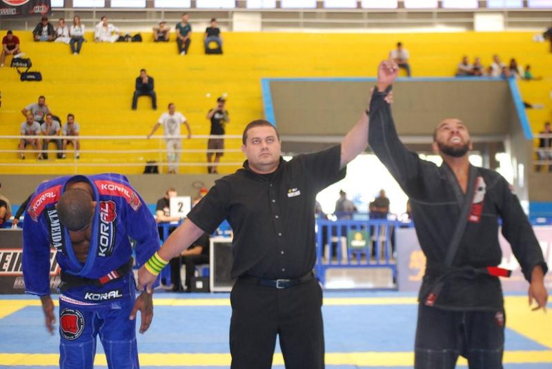 RODRIGO RIBEIRO (G13) x KITHNER MENDONÇA (RYAN GRACIE)  RODRIGO RIBEIRO (G13) VENCE QUARTAS ADULT l MALE l BLACK l ULTRA HEAVY