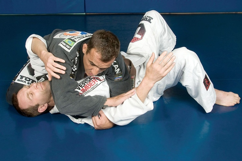 Brazilian Jiu-Jitsu technique: Adriano Nasal demonstrates shrewd armlock for snaring your more skittish opponents