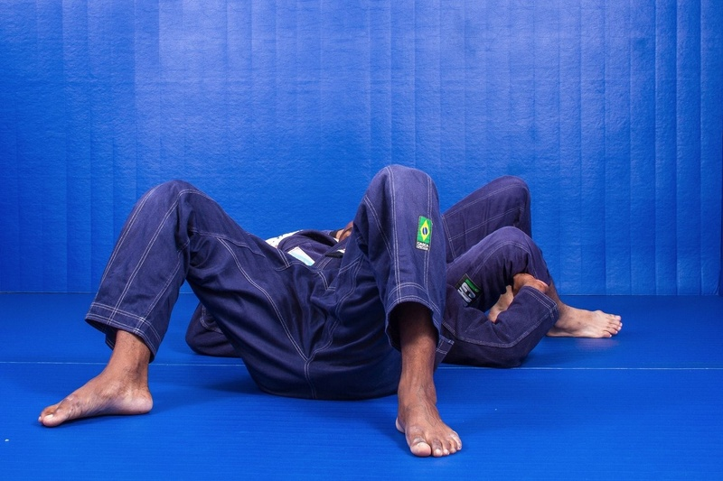 BJJ techniques: Fernando Tererê teaches how to apply the loop choke