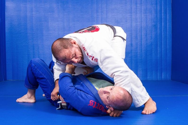 "BJJ techniques: Roberto ""Cyborg"" Abreu teaches how to apply the ""pantaneiro choke"""