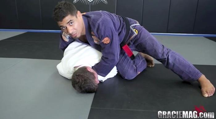 Brazilian Jiu-Jitsu lesson: JT Torres teaches a classic clock choke