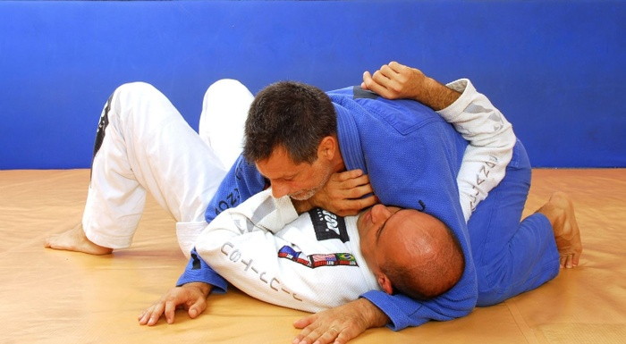 BJJ techniques: Romero Jacaré teaches how to apply an armbar starting from side control