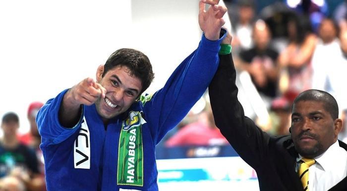 IBJJF Pro League 2016: Marcus Vinícius Oliveira de Almeida (Checkmat) vs Leonardo Pires Nogueira (Alliance)