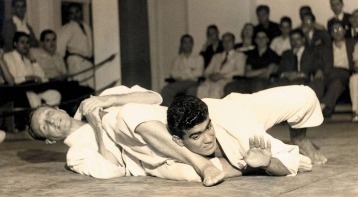Histórico! Imagens do grande mestre Carlos Gracie