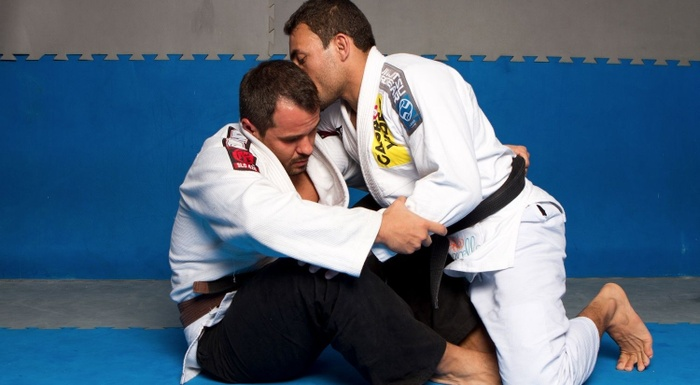 BJJ techniques: BJJ black belt Theodoro Canal teaches how to defend against the hook sweep and mount