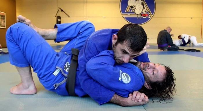 Brazilian Jiu-Jitsu: side control escape