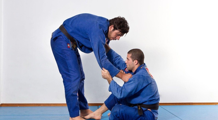 School of BJJ: João Gabriel Rocha teaches us how to do a flying armbar when passing the guard
