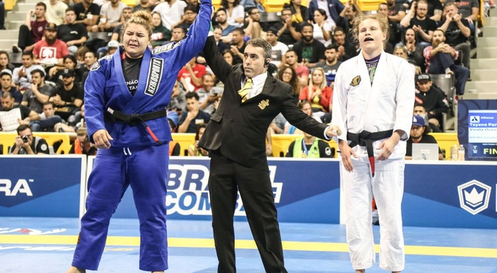 Tayane Porfírio's double gold and the best moments of the women's black belt at the 2017 BJJ Worlds