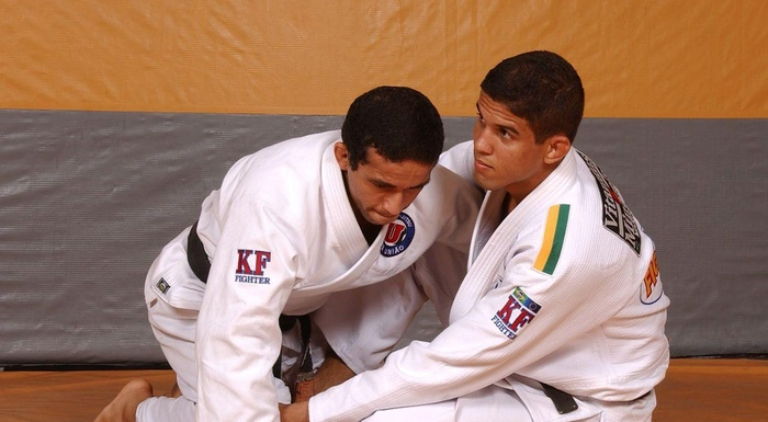 Brazilian Jiu-Jitsu butterfly sweep with Leonardo Santos