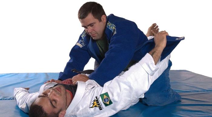 BJJ techniques: Paulo Filho teaches a lapel choke in the closed guard