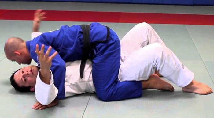 BJJ fundamentals: mount survival and mount elbow escape with Saulo Ribeiro